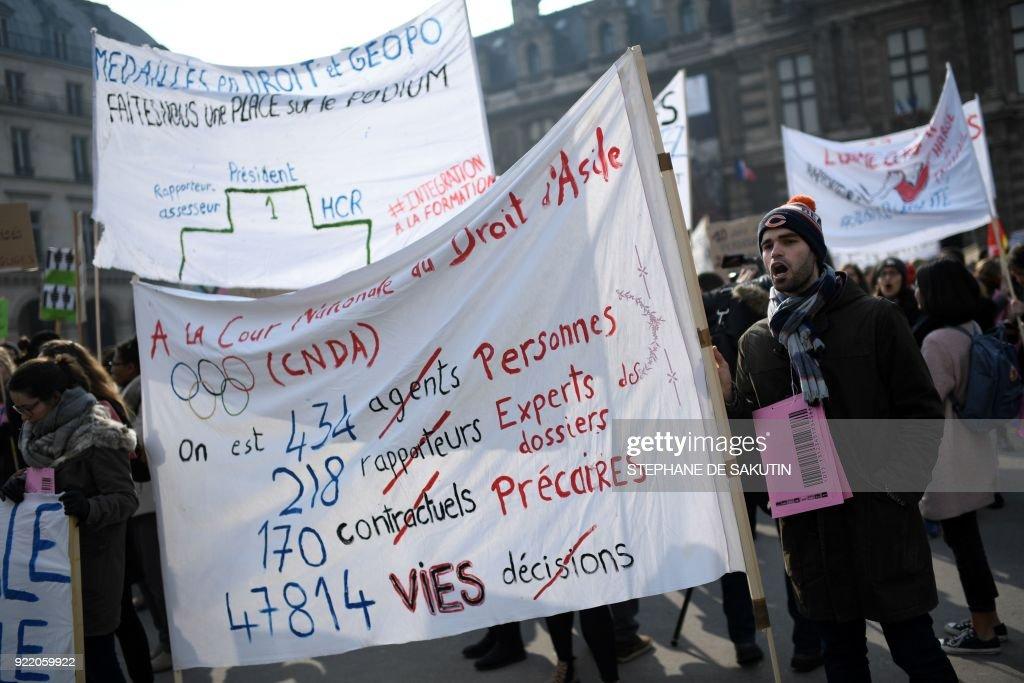 FRANCE-REFUGEE-MIGRANTS-SOCIAL-LAW-OPFRA-DEMO : News Photo