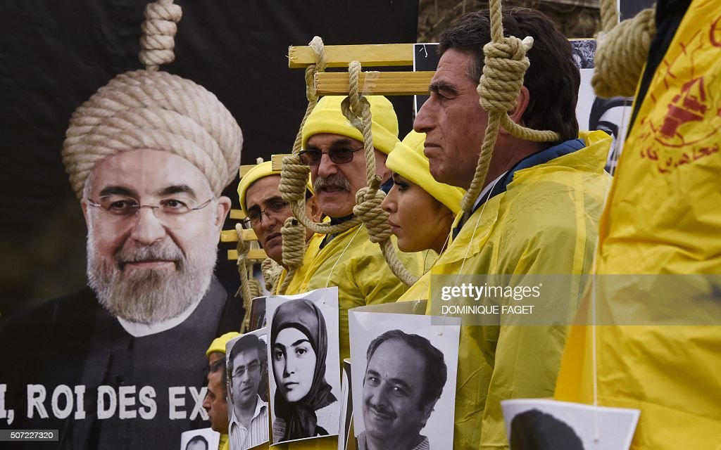 TOPSHOT-FRANCE-IRAN-POLITICS : ニュース写真