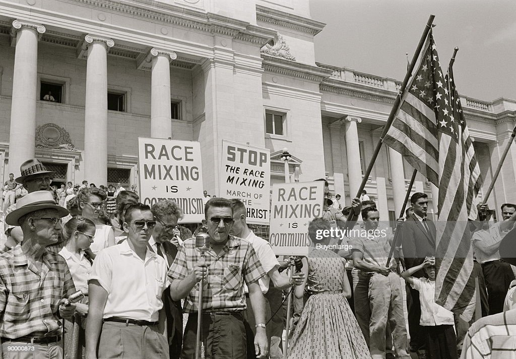 Little Rock, 1959. Rally at state capitol : News Photo