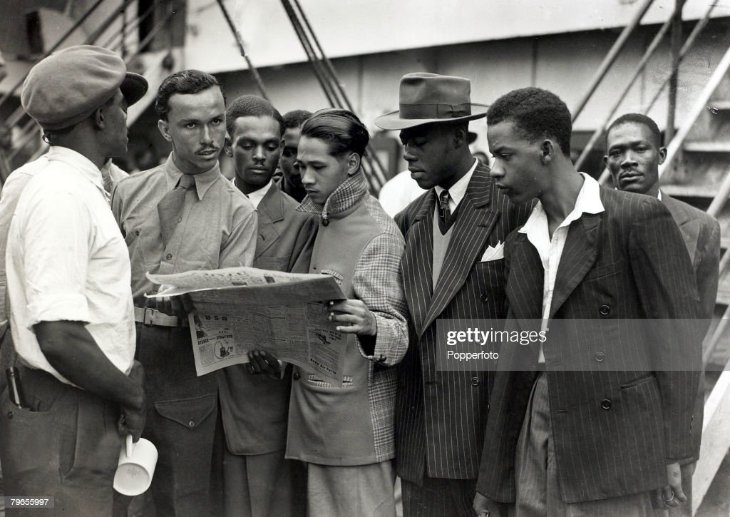 "People, Immigration, pic: 22nd June 1948, Some of the first Immigrants from the Caribbean island of Jamaica arrive at Tilbury, London, on board the "" Empire Windrush"" : News Photo"