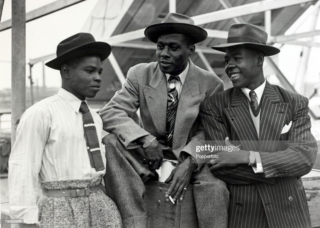 """People, Immigration, pic: 22nd June 1948, Some of the first Immigrants from the Caribbean island of Jamaica arrive at Tilbury, London, on board the """" Empire Windrush"""" : News Photo"""