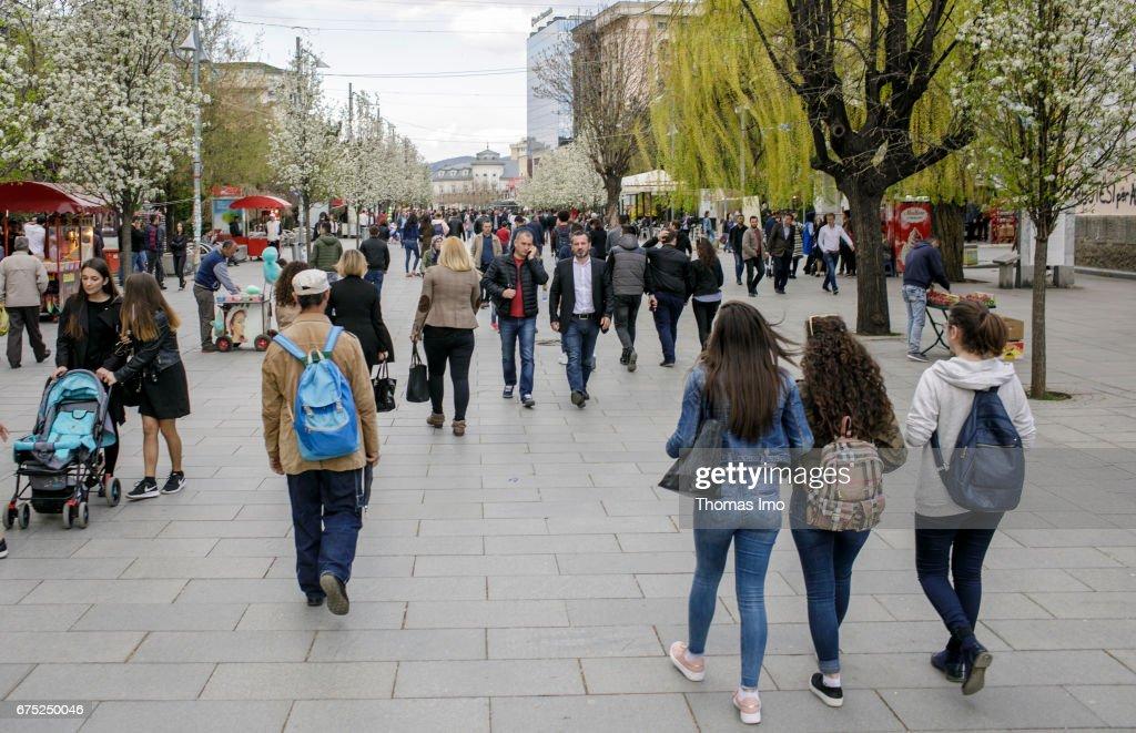 Street scene in Pristina, capital of Kosovo : News Photo