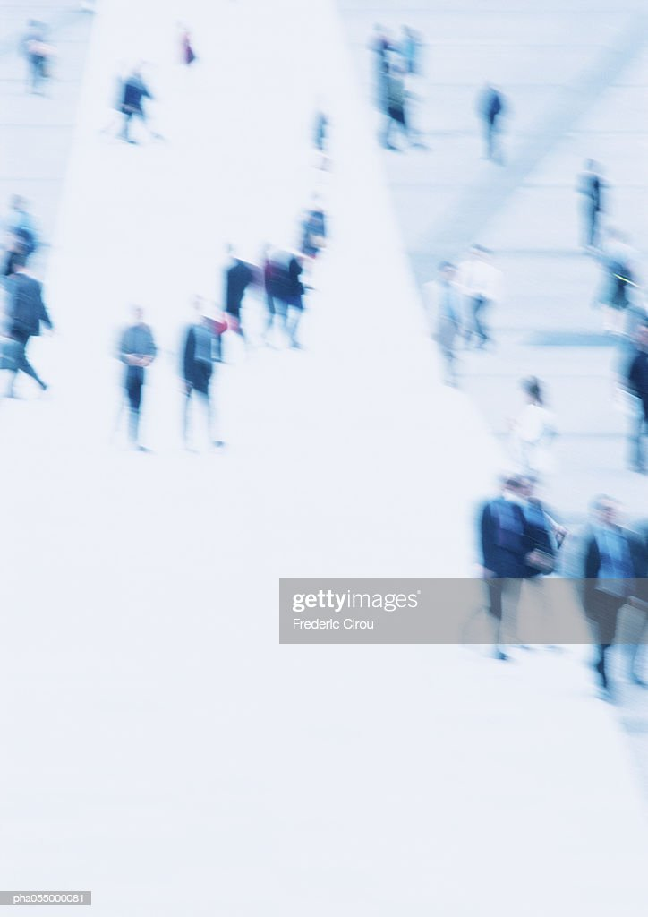 People in a public square, elevated view, blurred : Stockfoto