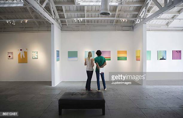 people in art gallery - museum stock pictures, royalty-free photos & images
