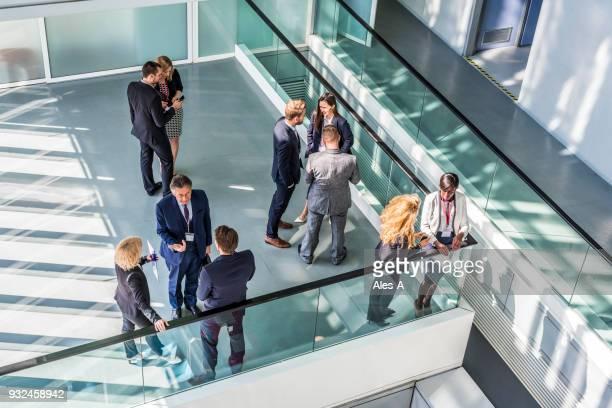 人々のビジネスセンター - 人脈作り ストックフォトと画像