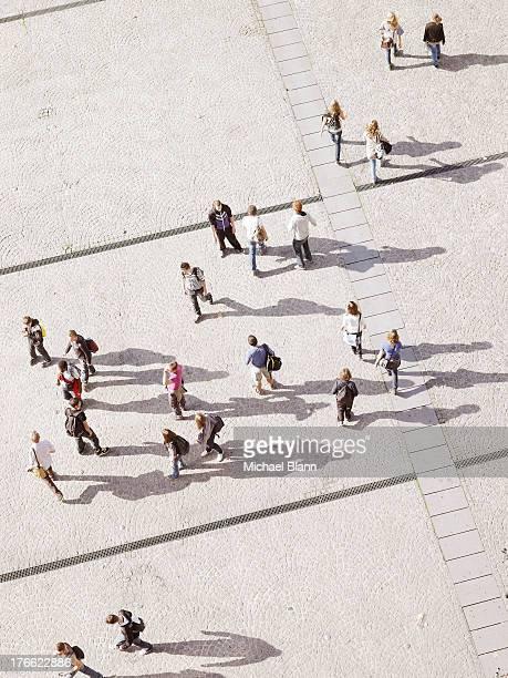 people in city seen from above, aerial - pedone ruolo dell'uomo foto e immagini stock