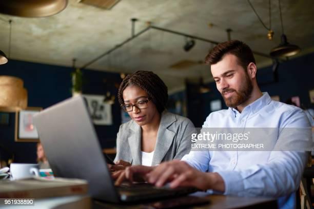 Menschen im Coworking-space