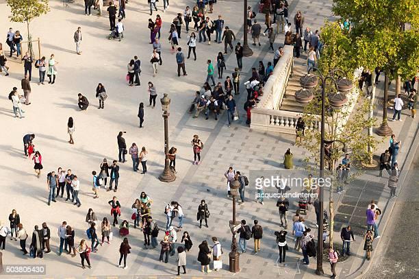 Pessoas em Paris, França