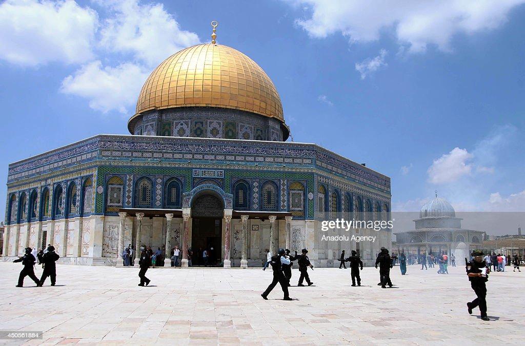 Tension at Al-Aqsa Mosque : News Photo