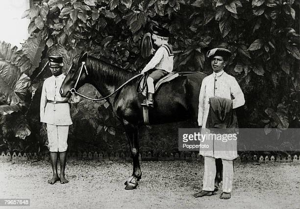circa 1910 India Bombay Presidency A small Sahib out for a ride