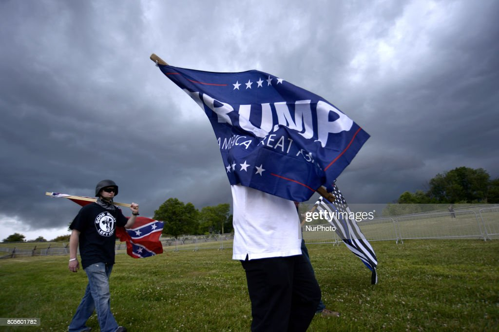 Patriotic Activist rally in Opposition of Rumored Antifa protest, in Gettysburg, Pennsylvania : News Photo
