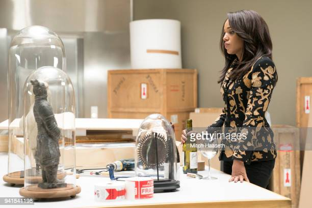 SCANDAL People Like Me On the heels of her commitment to turn over a new leaf personal turmoil strikes Olivia once again when Mellie demands that she...