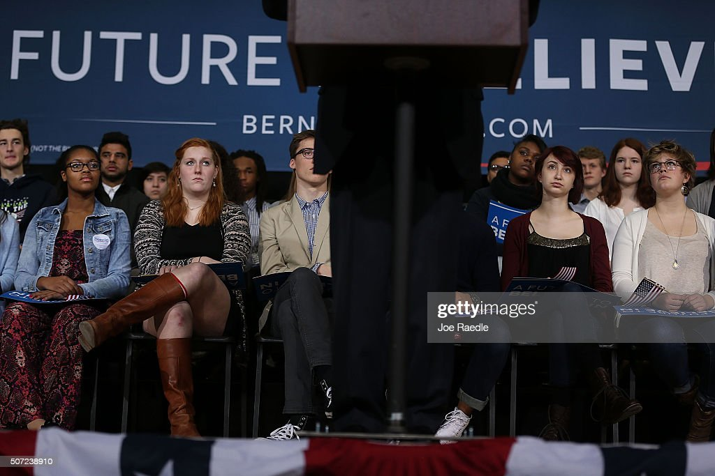 People listen as Democratic presidential candidate Sen. Bernie Sanders (I-VT) speaks during a forum at Roosevelt High School on January 28, 2016 in Des Moines, Iowa. The Democratic and Republican Iowa Caucuses, the first step in nominating a presidential candidate from each party, will take place on February 1.