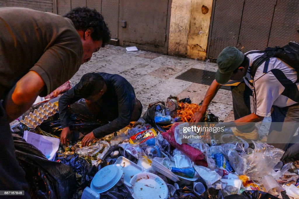 Hunger in Caracas : News Photo