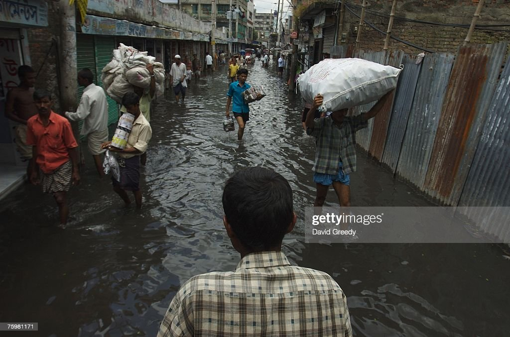 Bangladesh Flood Death Toll Rises : News Photo