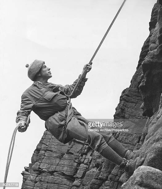 People, Mountaineering, pic: October 1963, Joe Brown, one of the world's top rock climbing experts , climbing and insructing on the crags at...