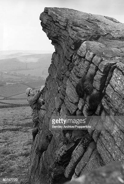 People, Mountaineering, pic: October 1963, Joe Brown, one of the world's top rock climbing experts climbing and insructing on the crags at...