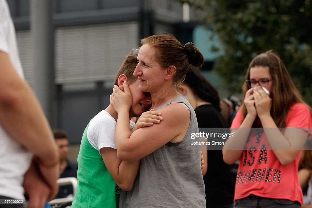 Munich The Day After Shooting Spree Leaves Ten Dead : ニュース写真