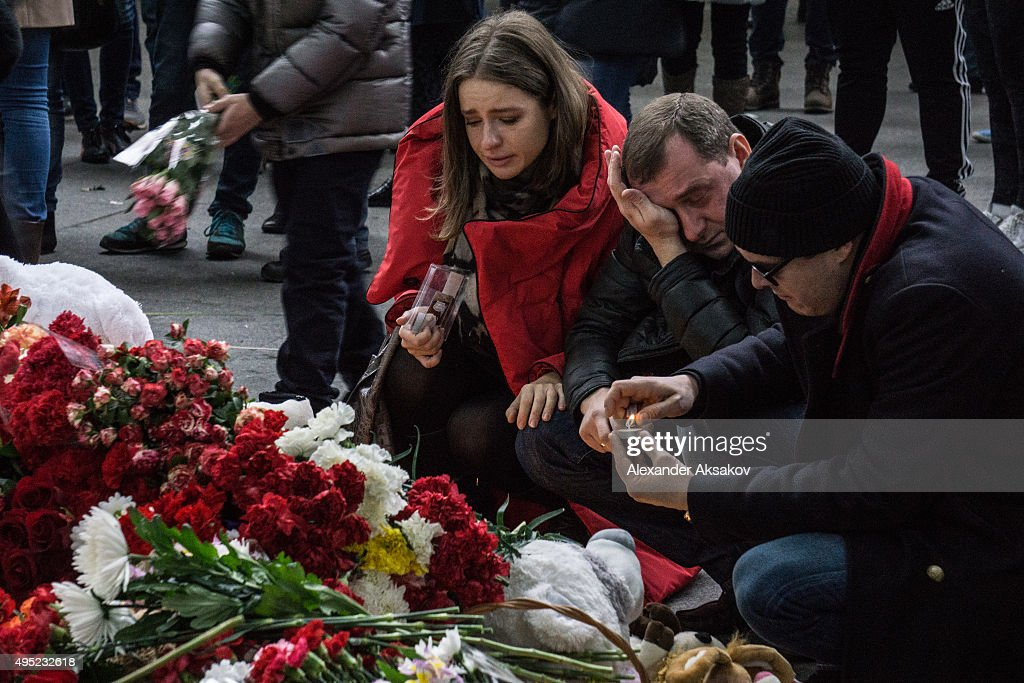 People mourn the victims of Airbus A321 crash at Pulkovo Airport on November 1, 2015 in St. Petersburg, Russia. A Russian Airbus-321 aircraft with 224 people aboard crashed in Egypt's Sinai Peninsula on Saturday. According to Egypts Civil Aviation Authority, the plane lost contact with air-traffic controllers shortly after taking off from the Egyptian Red Sea resort city of Sharm el-Sheikh en route to St. Petersburg.