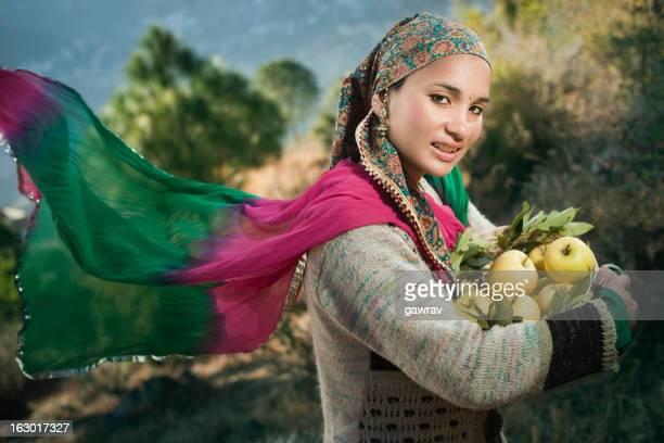 People of Himachal Pradesh: Beautiful woman carrying apple basket