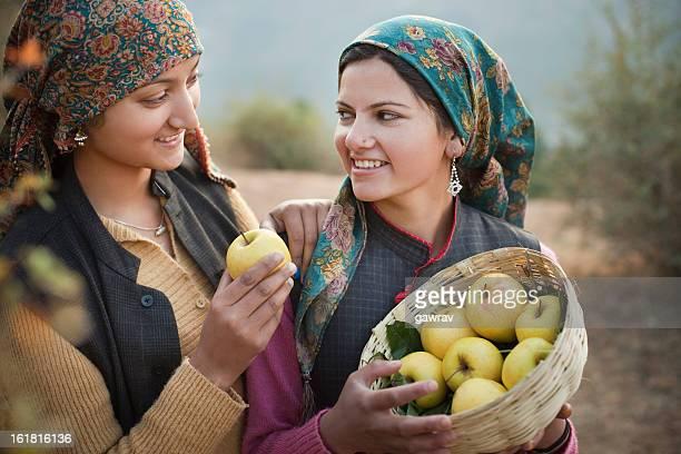 People of Himachal Pradesh: Beautiful young women with golden ap