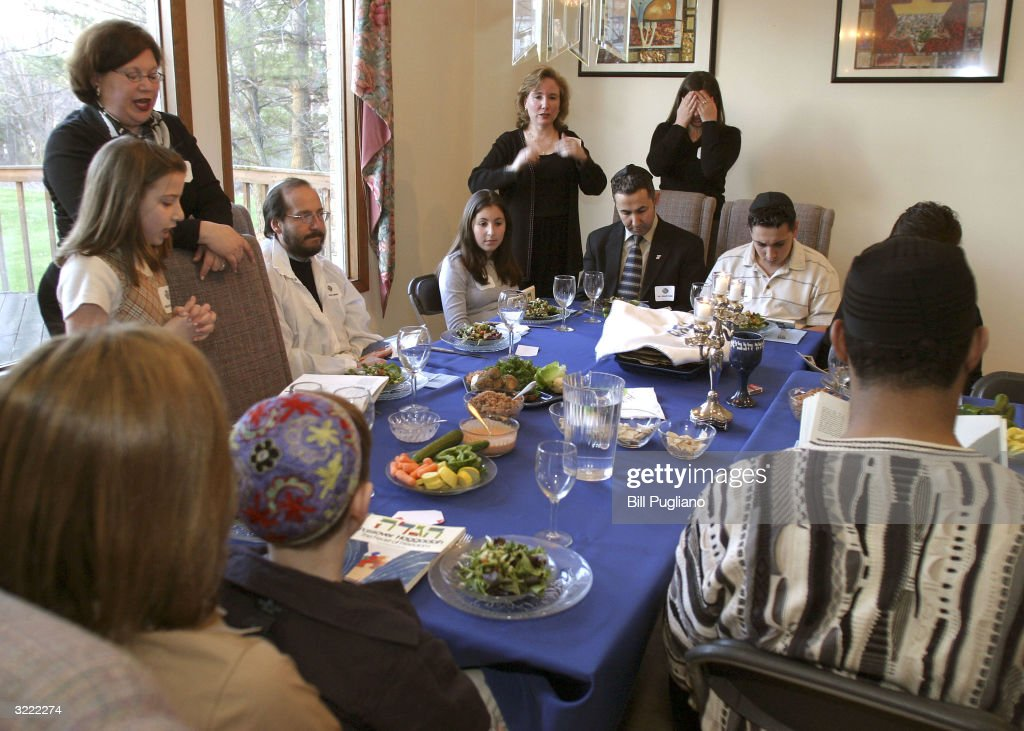 Jewish Couples Hosts A Multi-Faith Passover Celebration : News Photo