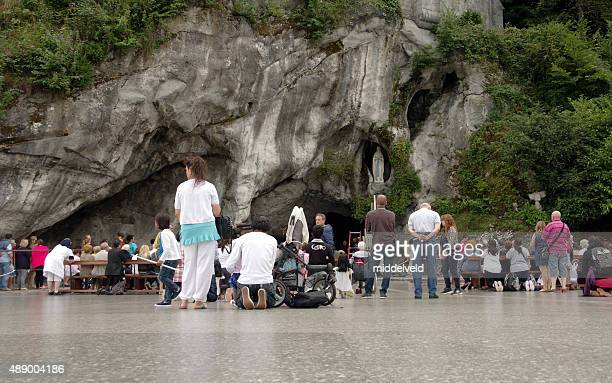 people on pilgrimage - pilgrimage stock pictures, royalty-free photos & images