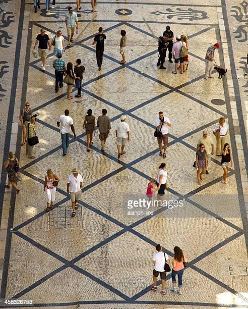 人物ルアアガスタをリスボン,ポルトガル - バイシャ ストックフォトと画像