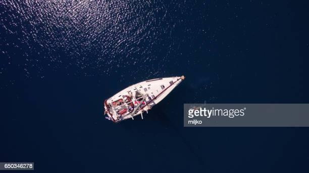 People on sailing
