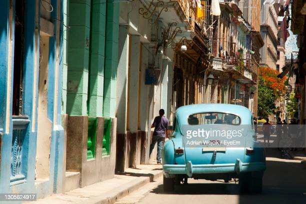 people on street in city - havana stock pictures, royalty-free photos & images