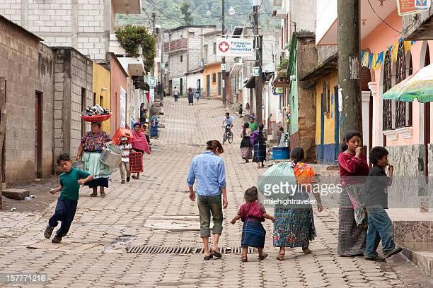 personas en las calles de santa maría de jesús guatemala - guatemala fotografías e imágenes de stock