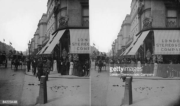 People outside the London Stereoscopic Company's offices in Regent Street 1900