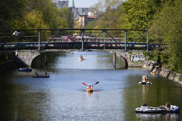 DEU: People Flock Outdoors In Spring Weather As Pandemic Eases