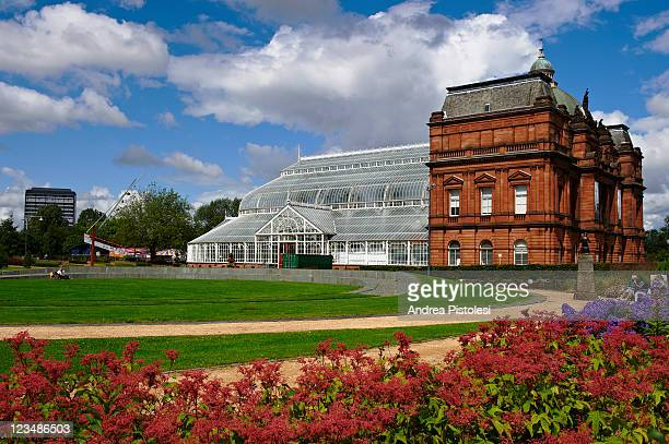people palace conservatory, glasgow - glasgow green stock pictures, royalty-free photos & images