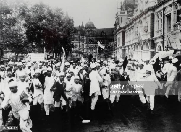 15th July 1930 Bombay A parade of boy boycotters of British goods organised by Gandhi sympathisers rushing through the streets of Bombay crying...