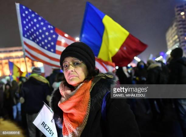 People protest in front of the government headquarters in Bucharest against the controversial corruption decrees on February 10 2017 / AFP / DANIEL...