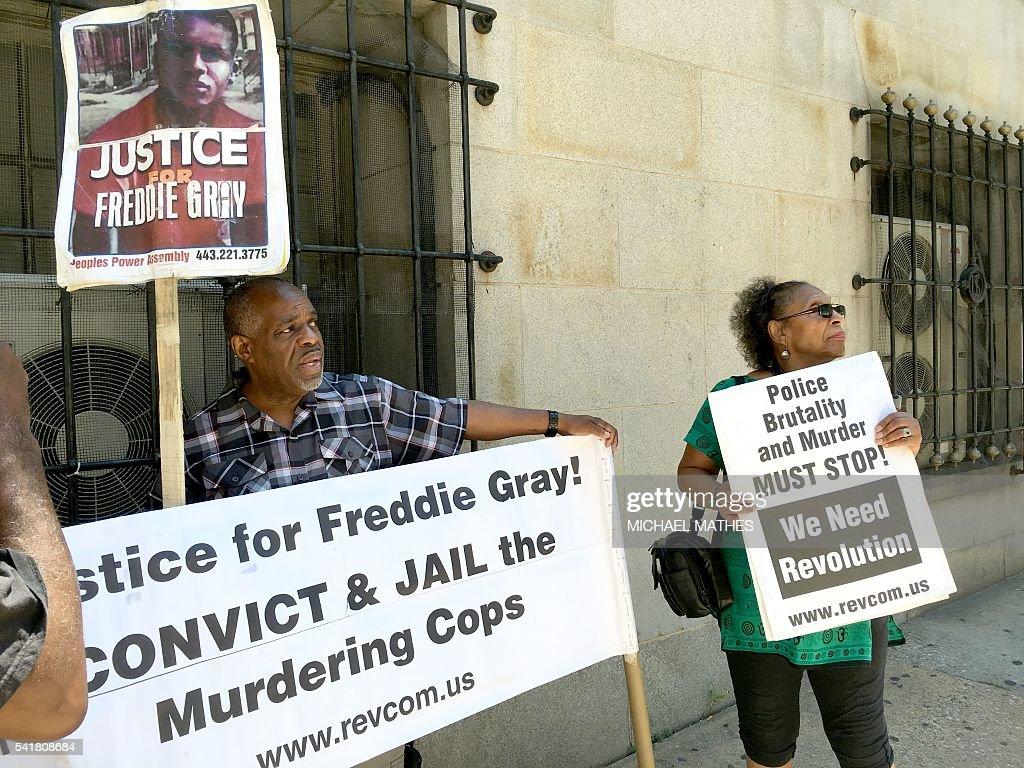 US-CRIME-POLICE-RACISM-COURT : News Photo