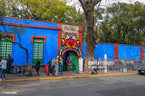 People queue outside the Casa Azul or Blue House in Mexico City the museum dedicated to artist Frida Kahlo on January 17 2019 in MEXICO CITY Mexico