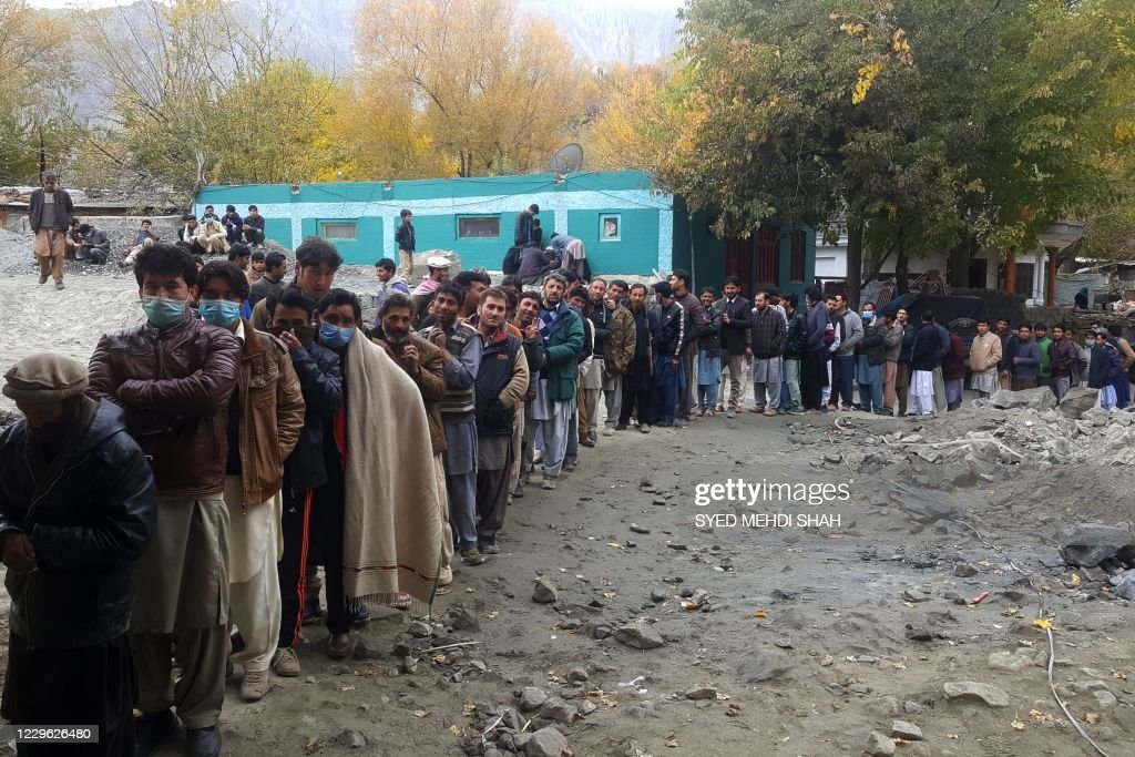 PAKISTAN-VOTE-POLITICS : News Photo