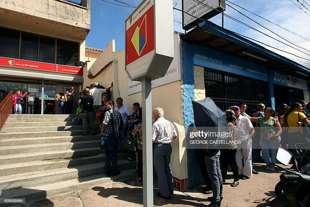 VENEZUELA-CRISIS-ECONOMY-CURRENCY : News Photo