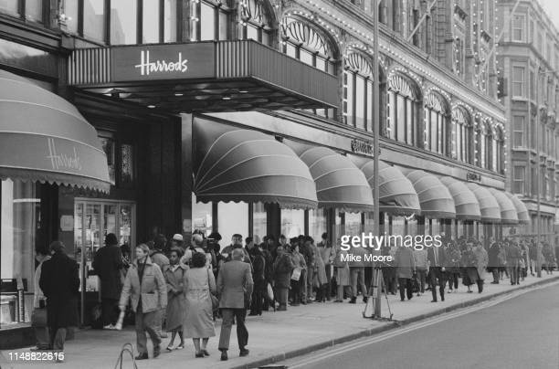 People queuing outside Harrods for the postChristmas sale London Uk 6th January 1984