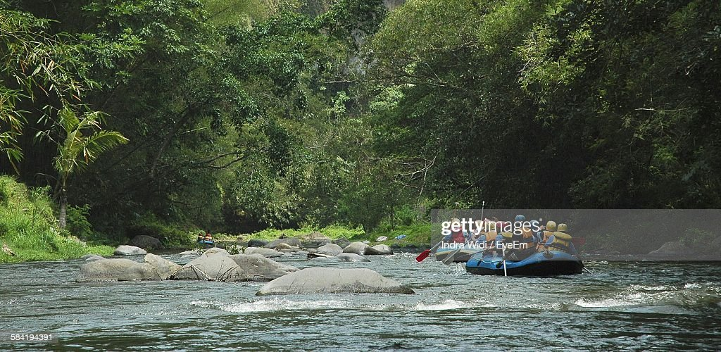 People Rafting On River : Foto de stock