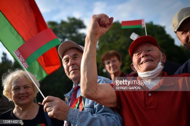 People rally in support of Belarusian President Alexander Lukashenko in Minsk on August 21, 2020. - Belarusian President Alexander Lukashenko vowed...