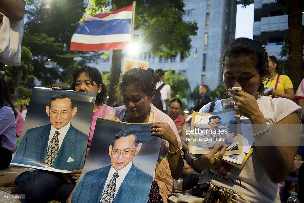 Thailand's King Bhumibol Adulyadej Dies At 88 : News Photo