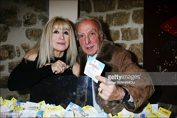 People ReliefDon'Actions 2007 In Paris France On March 23 2007 Virginie Pradal and Robert Castel