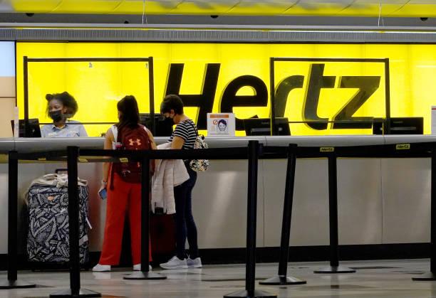 FL: Hertz To Buy 100,000 Tesla Vehicles For Its Fleet