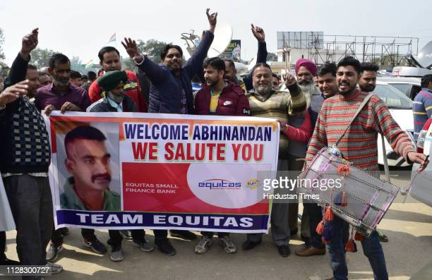 People seen in jubilate mood as they wait for the arrival of IAF pilot Wing Commander Abhinandan Varthaman at AttariWagha border on March 1 2019 some...