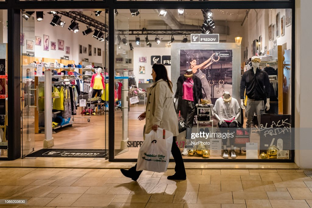 People shopping at Puglia Outlet, In Molfetta, Italy, on 23 November ...