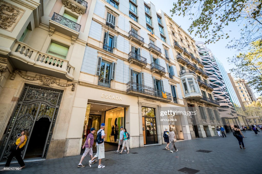 People shopping in Barcelona, Spain : Stock Photo