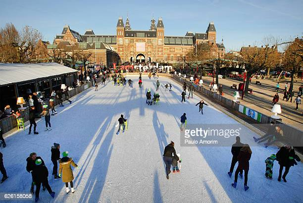 People skating and enjoying in Amsterdam